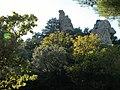 Ruines du château de Beaumes-de-Venise.jpg