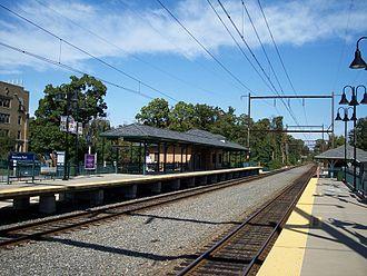 Melrose Park station (SEPTA) - Melrose Park station