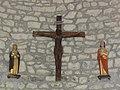 Saint-Maurice-près-Pionsat (Puy-de-Dôme) église statues calvaire.JPG