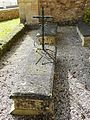 Saint-Sauveur (Dordogne) église tombe (3).JPG