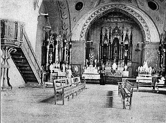 Gumaca - Archival photo of the San Diego de Alcala Cathedral in Gumaca, showing the original retablo done in Neo-Gothic design, and the trompe-l'oeil ceiling paintings.