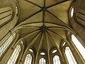 Sant Domènec, voltes i vitralls de l'absis.jpg