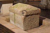 Sarcophage Saint Eutrope Saintes Charente-Maritime.jpg