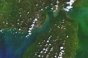 Iloilo Strait - Image: Sat.iloilocity.and.g uimaras