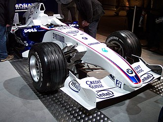 Suspension keel - Zero keel design as employed on the BMW Sauber F1.07. Note the lower suspension arms mounted directly onto the lower edge of the nosecone, and the angle between the arms and road surface necessary for this arrangement.