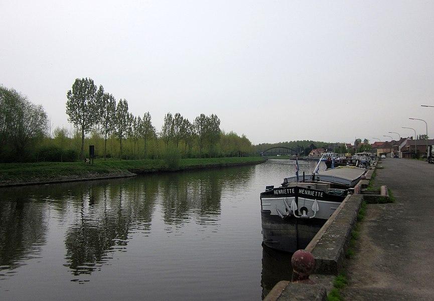 Schelde (Scheldt) river. Bléharies, Brunehaut, Belgium