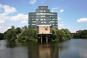 Sennestadthaus mit neuer Fassade