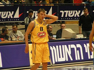 Šarūnas Jasikevičius - Jasikevičius with Maccabi Tel Aviv in 2004