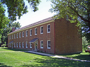 Shawnee Methodist Mission - Image: Shawnee Mission East bldg front