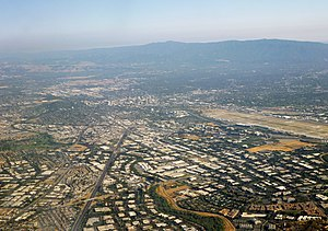 Silicon Valley, facing southward towards Downtown San Jose, 2014.jpg