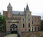 Slot Haamstede met poortgebouw.JPG