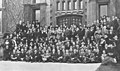 Sophomore Class group photo, Cap and Gown 1915 University of Chicago yearbook (page 119 crop).jpg