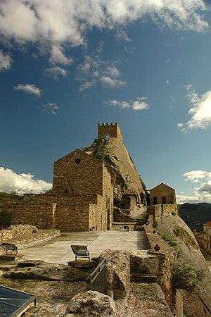 Sperlinga - Image: Sperlinga (EN) Castello