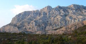 Montagne Sainte-Victoire - Montagne Sainte-Victoire and Croix de Provence