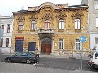 Szent István tér 22 (Dr. Héderváry Soma, 1897), 2018 Újpest.jpg