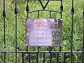Tabliczka na bramie cmentarza w Krzeszowie.JPG
