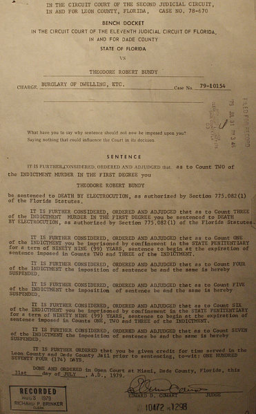 Bestand:Ted Bundy Sentencing Document.jpg
