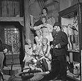 Televisiestuk Drie stuivers opera , de lichtekooien onder arrest, Bestanddeelnr 911-7346.jpg