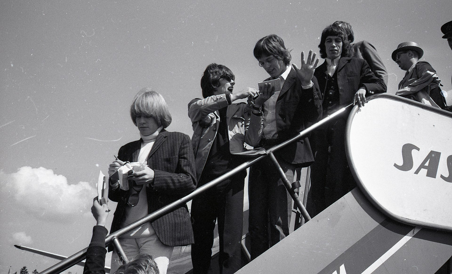 "in   #onthisday #otd #history #TheRollingStones<img src=""img/htl.jpg"" alt=""Logo"" style=""width:50px;height:30px;"">"