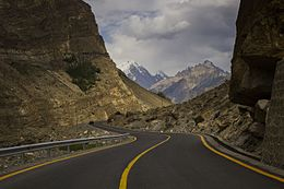 The beautiful Karakoram Highway.jpg