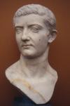Tiberius NyCarlsberg Mirrored.png