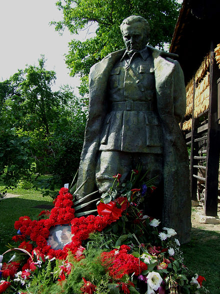 Statue of Tito in his village of his birth, Kumrovec Titov spomenik.jpg