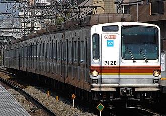 Tokyo Metro Fukutoshin Line - Image: Toukyu touyoko line tokyo Metro 7000 kei