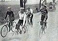 Tour de France 1906 avant la côte de Beaucourt, Aucouturier plaisante avec Trousselier et Cadolle.jpg