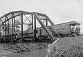 Trem com Passageiros e Autoridades em Ponte sobre Afluente do Rio Madeira, por Ocasião de Inauguração de Trecho da Ferrovia, Acervo do Museu Paulista da USP (cropped).jpg