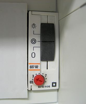 Staircase timer - DIN rail mounted electronic lighting timer