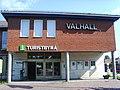 Turistbyrån, biografen och konferensanläggningen Valhall vid Stora torget i Hultsfred.JPG