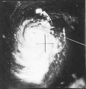 1962 Pacific typhoon season - Image: Typhoon Thelma TIROS V 24 aug 1962 0207Z