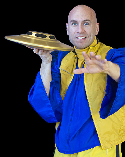 File:UFO Phil with flying saucer.jpg