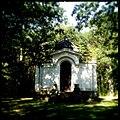 Uniejów kaplica grobowa rodziny Tollów-001.JPG