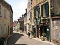 Vézelay - Rue Saint-Pierre.JPG