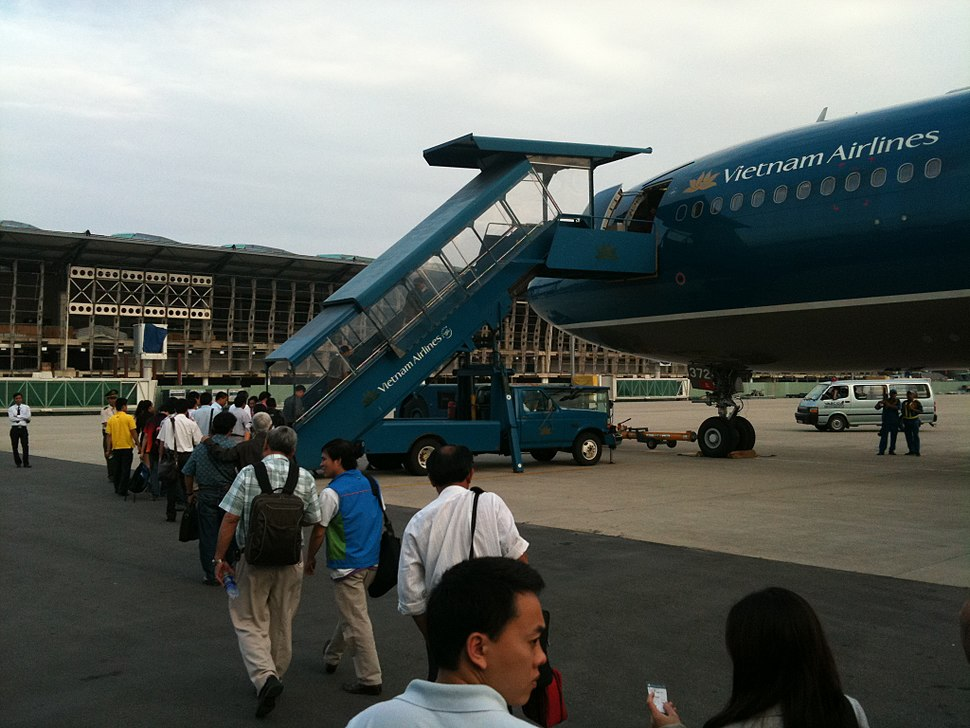 VN Airlines A330 at new DAD terminal 02
