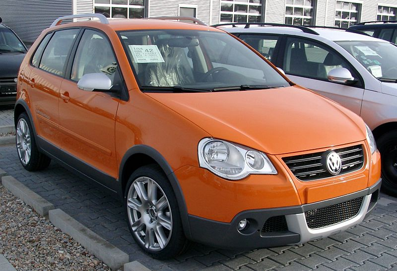 800px-VW_CrossPolo_front_20080409.jpg