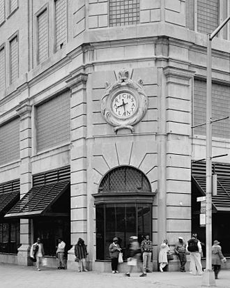 Rich's (department store) - Closeup of northeast corner of 1924 store, from northeast looking southwest