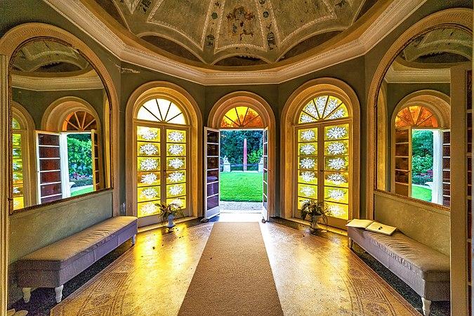 Villa Pallavicini Serra.jpg