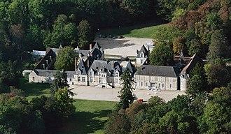 Château de Villesavin - Image: Villesavin castle, aerial view cropped
