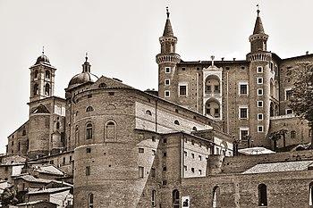 Vista frontale del Palazzo Ducale di Urbino, Marche 01.jpg