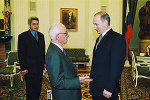 Laiko Vima - Vladimir Putin with editor of the Vima newspaper Efstathios Efstathiadis