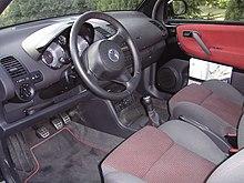 https://upload.wikimedia.org/wikipedia/commons/thumb/e/e5/Volkswagen_Lupo_GTI_Innenraum.jpg/220px-Volkswagen_Lupo_GTI_Innenraum.jpg