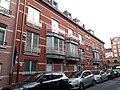 Vue des logements implantés sur la rue Africaine.jpg