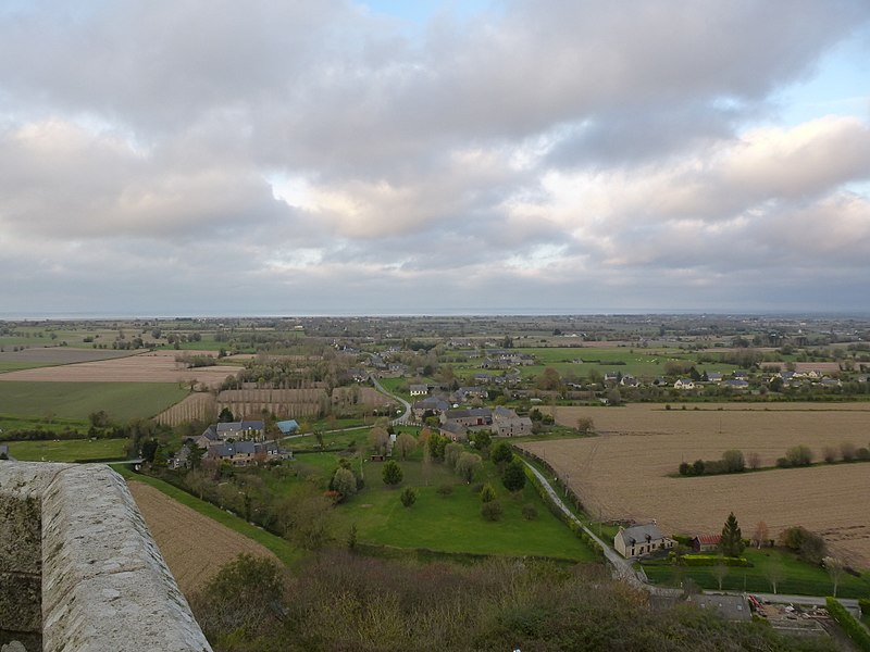 File:Vue sur la baie du mont st michel depuis le mont dol - panoramio (2).jpg