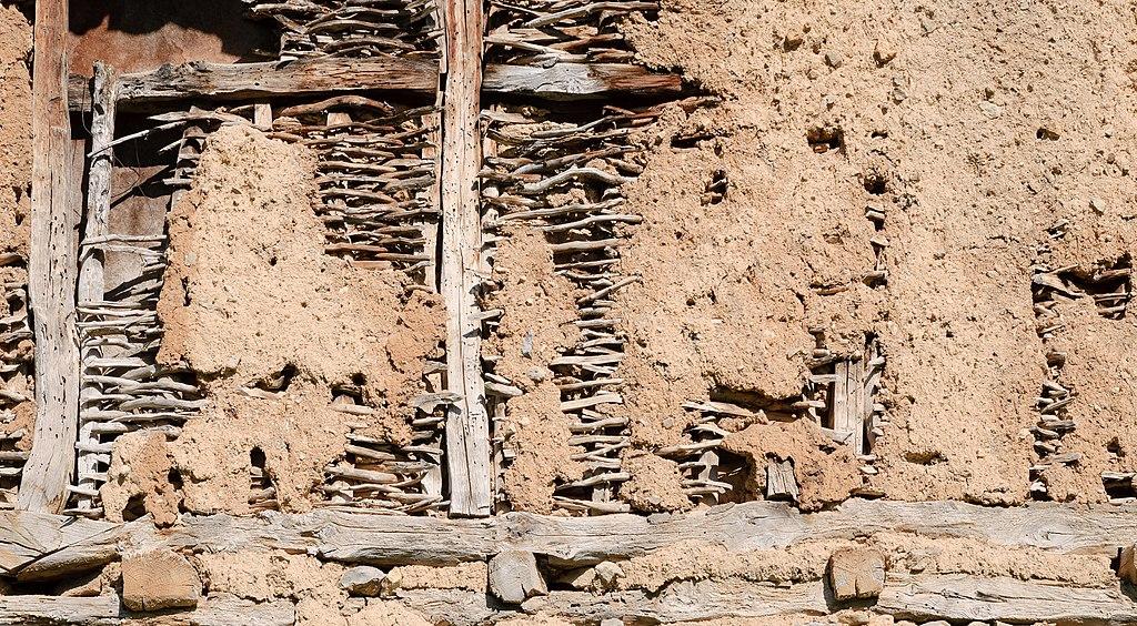File:Wattle and daub construction.jpg - Wikimedia Commons