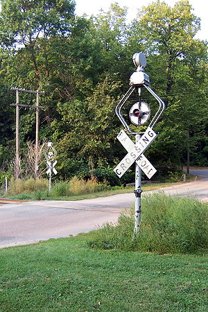 Wigwag (railroad) - Image: Wigwag signals near Devil's Lake