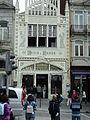 Wiki Takes Porto - fotográfos em frente a Livraria Lello (2).JPG