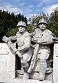 Woźniki pomnik poległym we wrześniu 1939 bryła p.jpg