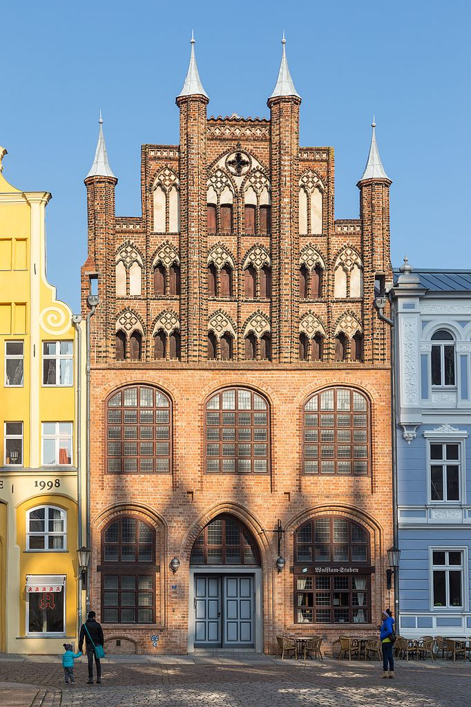 682px-Wulflam-Haus_in_Stralsund.jpg